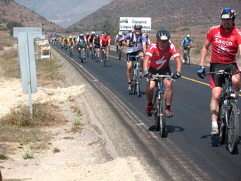 Long line of riders on El Tigre