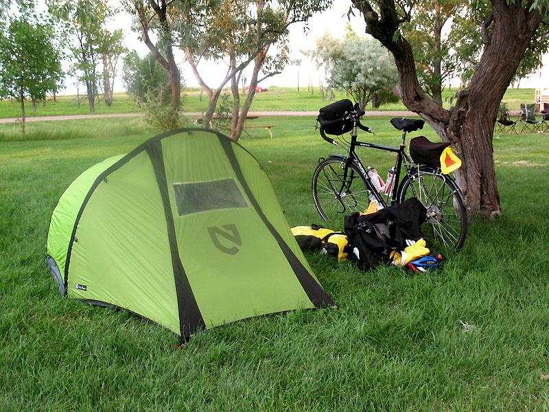 Camp at Lake Sakakawea State Park