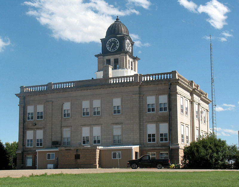 Onida SD courthouse