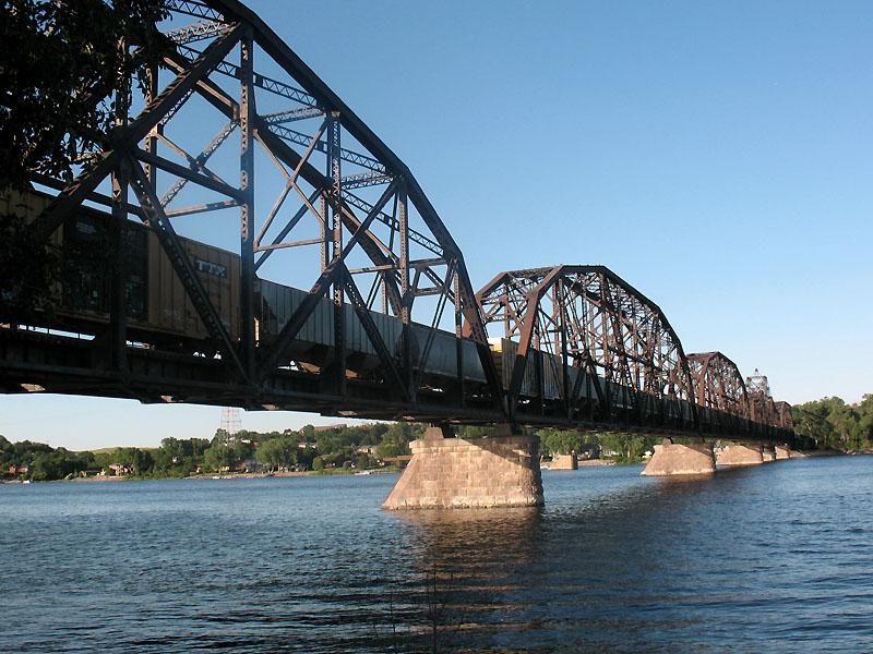 RR bridge across the Missouri R in Pierre