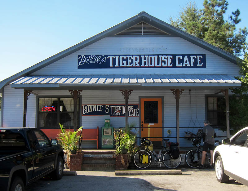 Bonnie's Tiger House Cafe, Saltillo TN